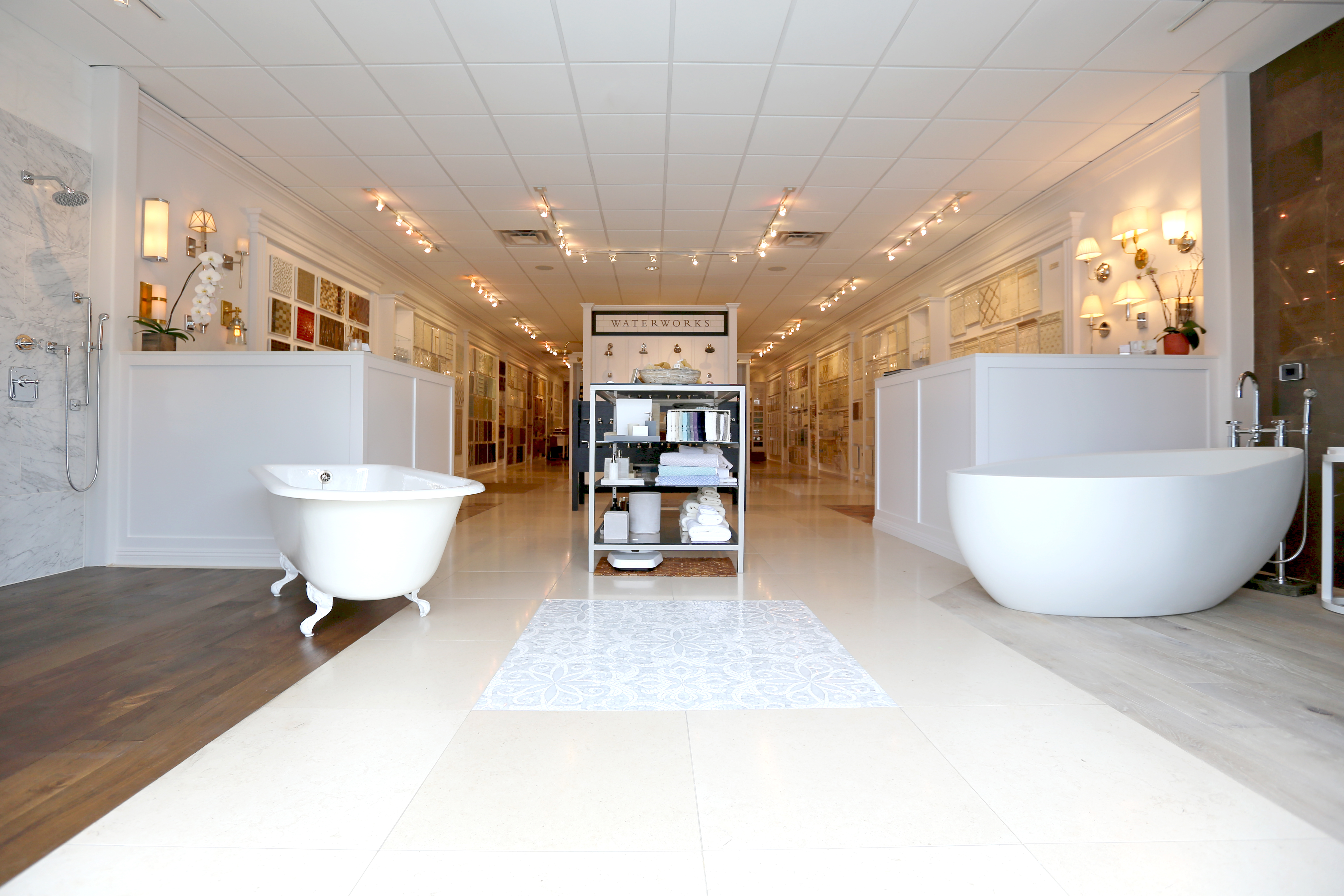 bathtub bath products showroom the kitchen bathroom at ensuite kohler